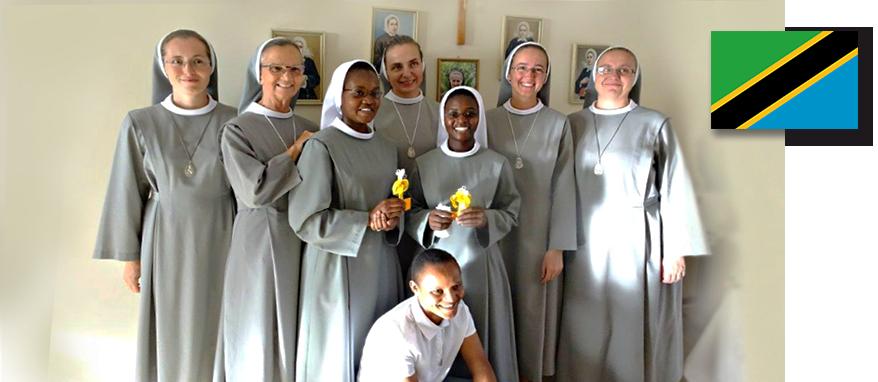 zdjęcie grupowe sióstr a Tanzanii
